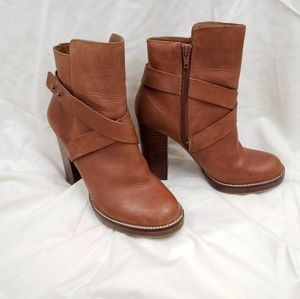 Steve Madden Sizzzlee Tan Ankle Booties Size 8